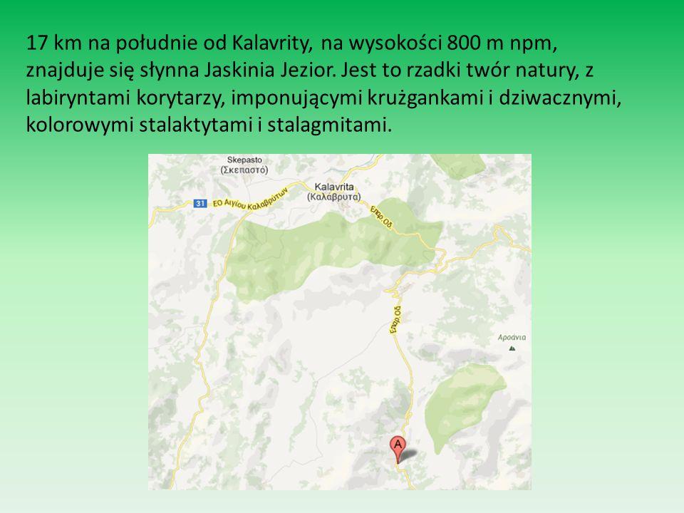 17 km na południe od Kalavrity, na wysokości 800 m npm, znajduje się słynna Jaskinia Jezior. Jest to rzadki twór natury, z labiryntami korytarzy, impo