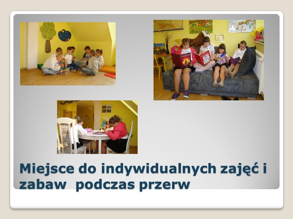 Plac zabaw w ramach programu Radosna szkoła