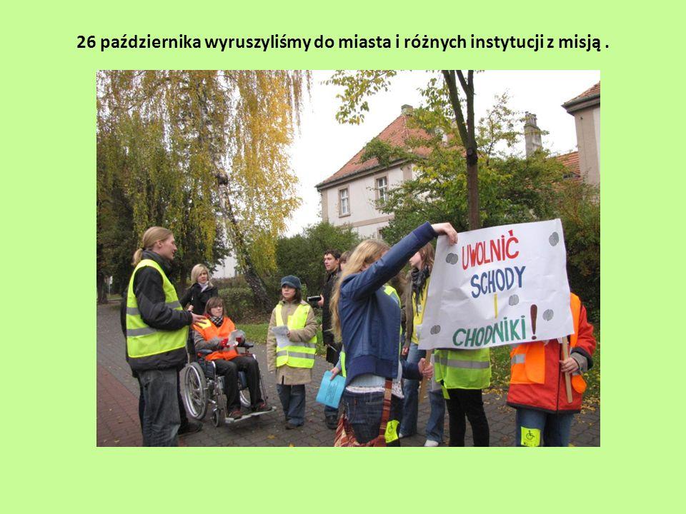 Fotoreportaż z akcji Uwolnijcie chodniki i schody