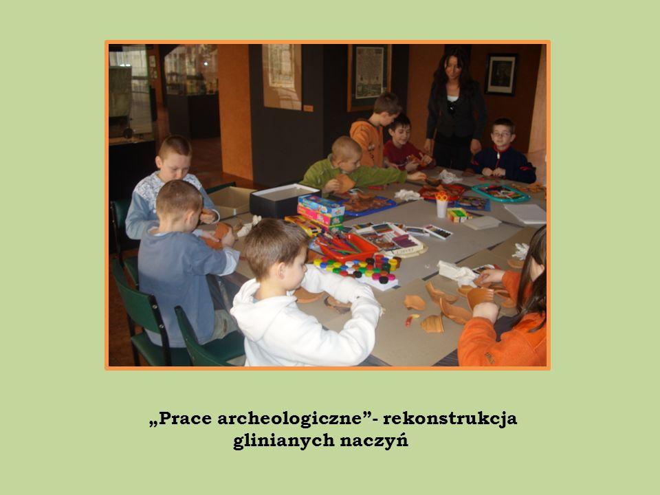 Prace archeologiczne- rekonstrukcja glinianych naczyń