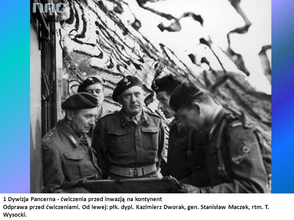 1 Dywizja Pancerna - ćwiczenia przed inwazją na kontynent Odprawa przed ćwiczeniami. Od lewej: płk. dypl. Kazimierz Dworak, gen. Stanisław Maczek, rtm