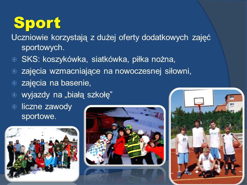 Sport Uczniowie korzystają z dużej oferty dodatkowych zajęć sportowych. SKS: koszykówka, siatkówka, piłka nożna, zajęcia wzmacniające na nowoczesnej s