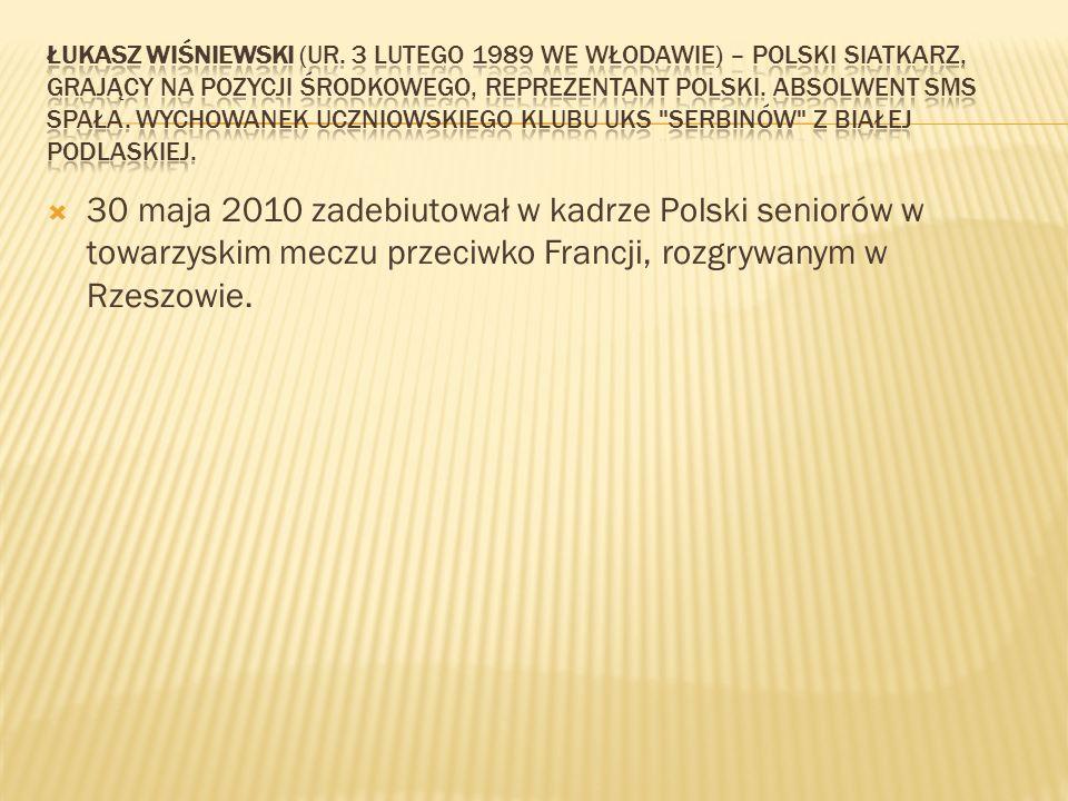 30 maja 2010 zadebiutował w kadrze Polski seniorów w towarzyskim meczu przeciwko Francji, rozgrywanym w Rzeszowie.