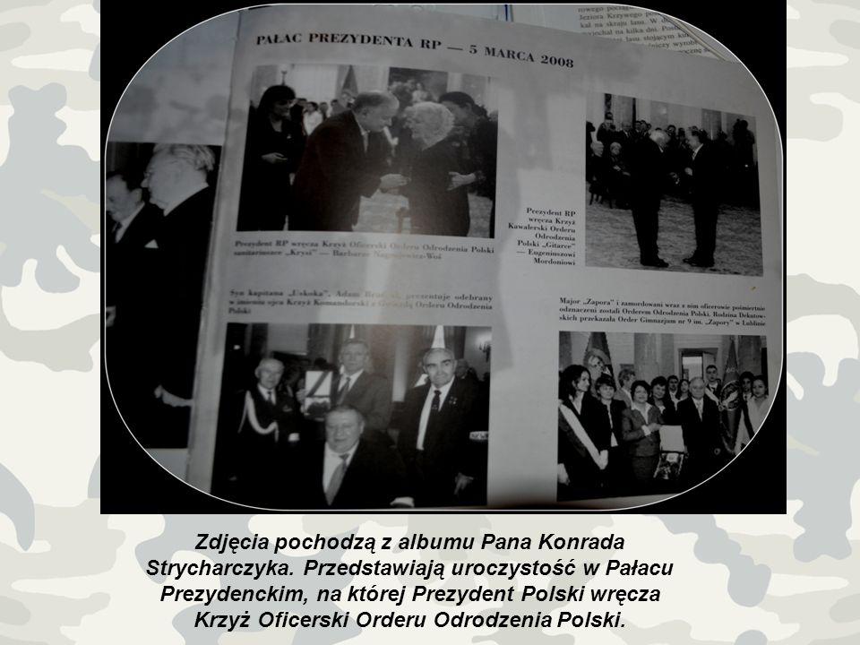 Zdjęcia pochodzą z albumu Pana Konrada Strycharczyka. Przedstawiają uroczystość w Pałacu Prezydenckim, na której Prezydent Polski wręcza Krzyż Oficers