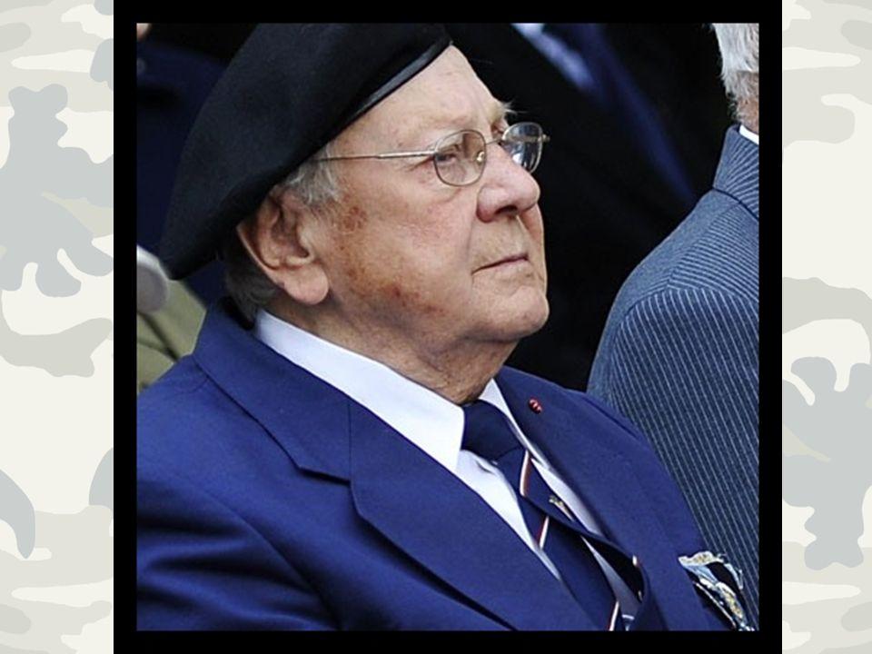 Na przełomie lat 1944 i 1945 zabrano go na przesłuchanie na ulicę Zieloną, gdzie został skatowany i zmaltretowany.