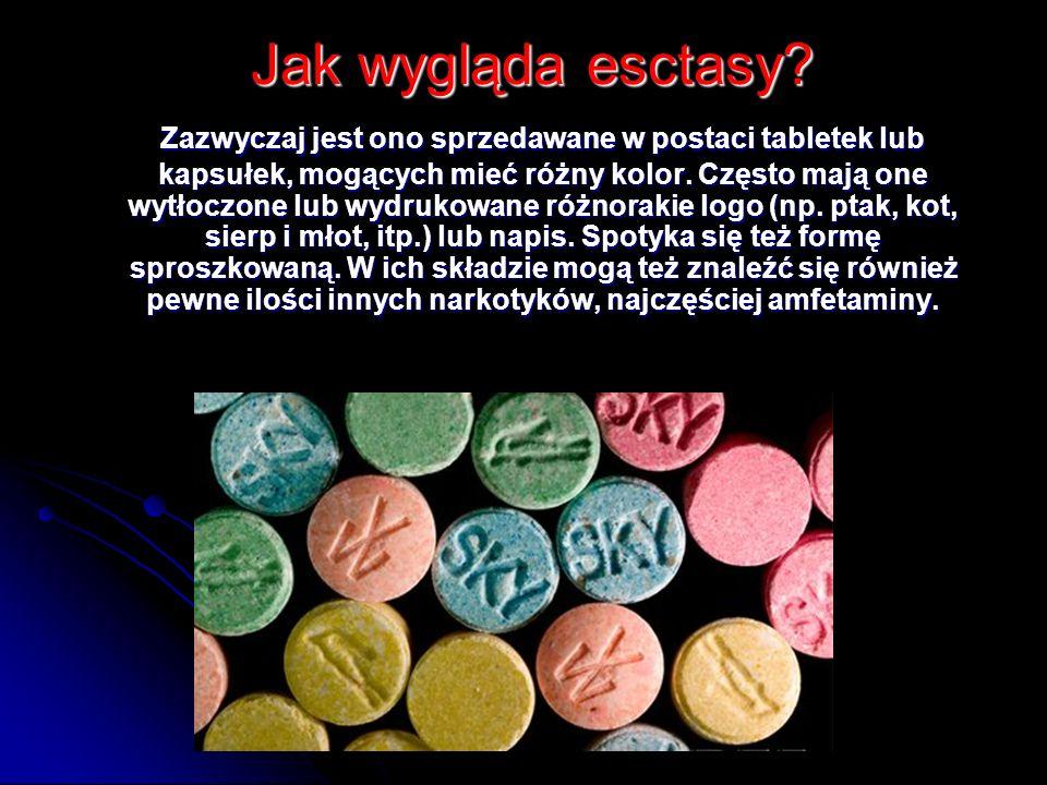 Jak wygląda esctasy? Jak wygląda esctasy? Zazwyczaj jest ono sprzedawane w postaci tabletek lub kapsułek, mogących mieć różny kolor. Często mają one w