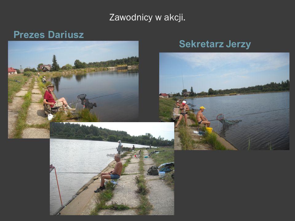 Zawodnicy w akcji. Prezes Dariusz Sekretarz Jerzy