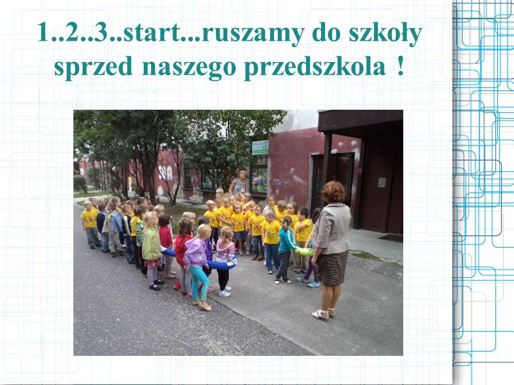 Po przejściu pierwszych 100 kroków dzieci zatrzymały się przy Kościele Św.