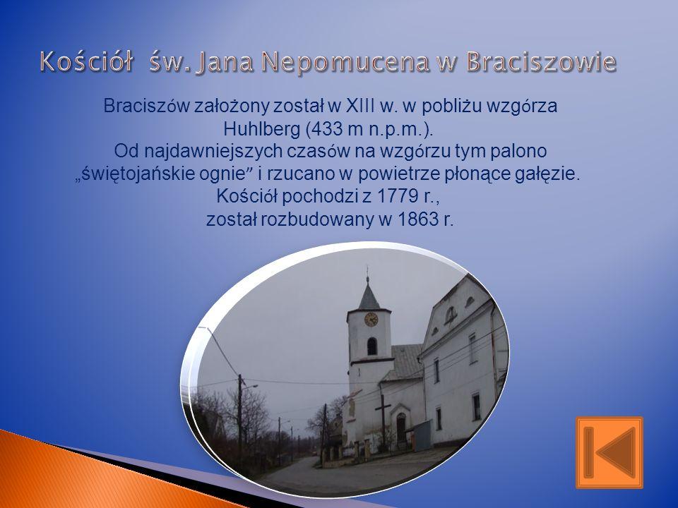 Wieś położona jest w dolinie Złotej Opawy, u podnóża Gór Opawskich. Po raz pierwszy wzmiankowana w I połowie XIV w. W średniowieczu była parafią templ