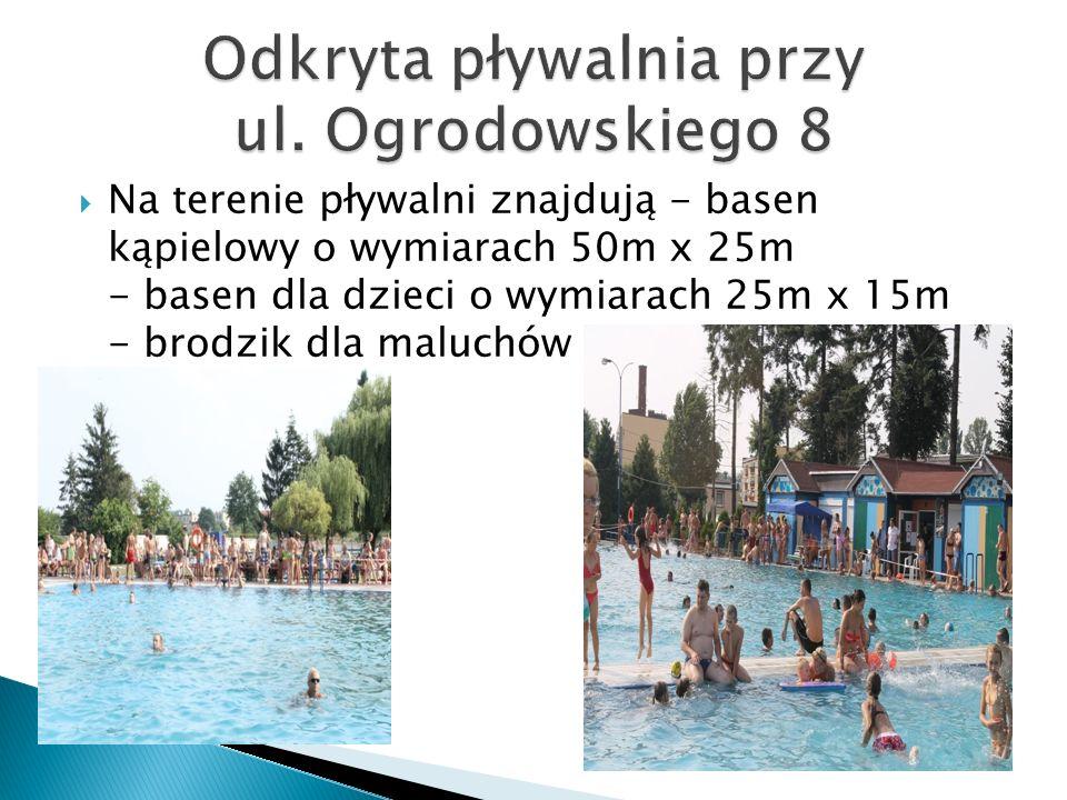 Na terenie pływalni znajdują - basen kąpielowy o wymiarach 50m x 25m - basen dla dzieci o wymiarach 25m x 15m - brodzik dla maluchów