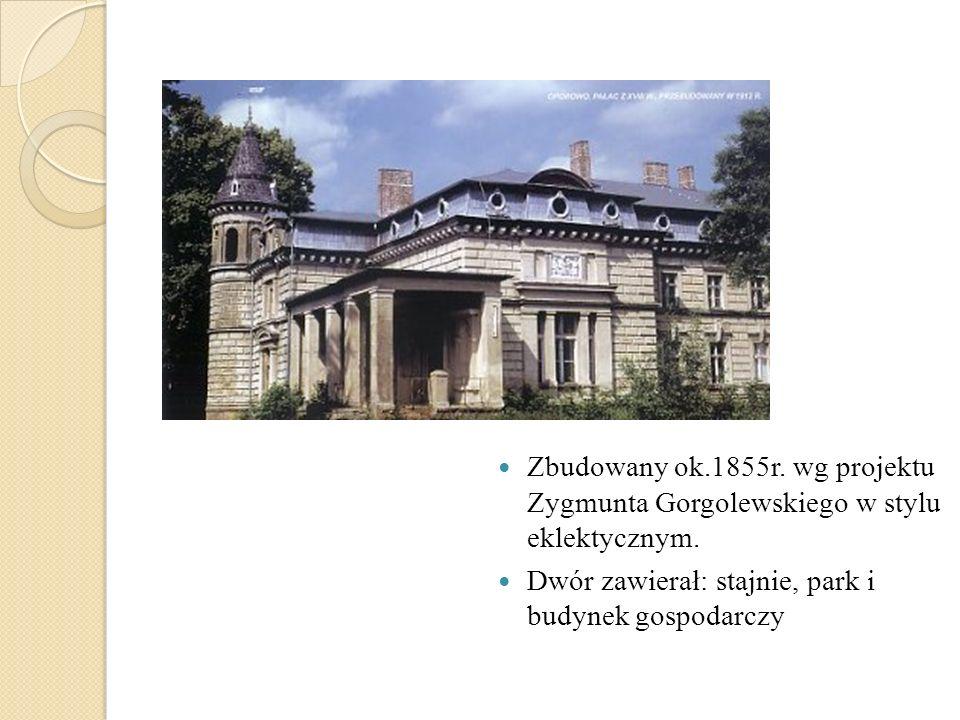 Zbudowany ok.1855r. wg projektu Zygmunta Gorgolewskiego w stylu eklektycznym. Dwór zawierał: stajnie, park i budynek gospodarczy