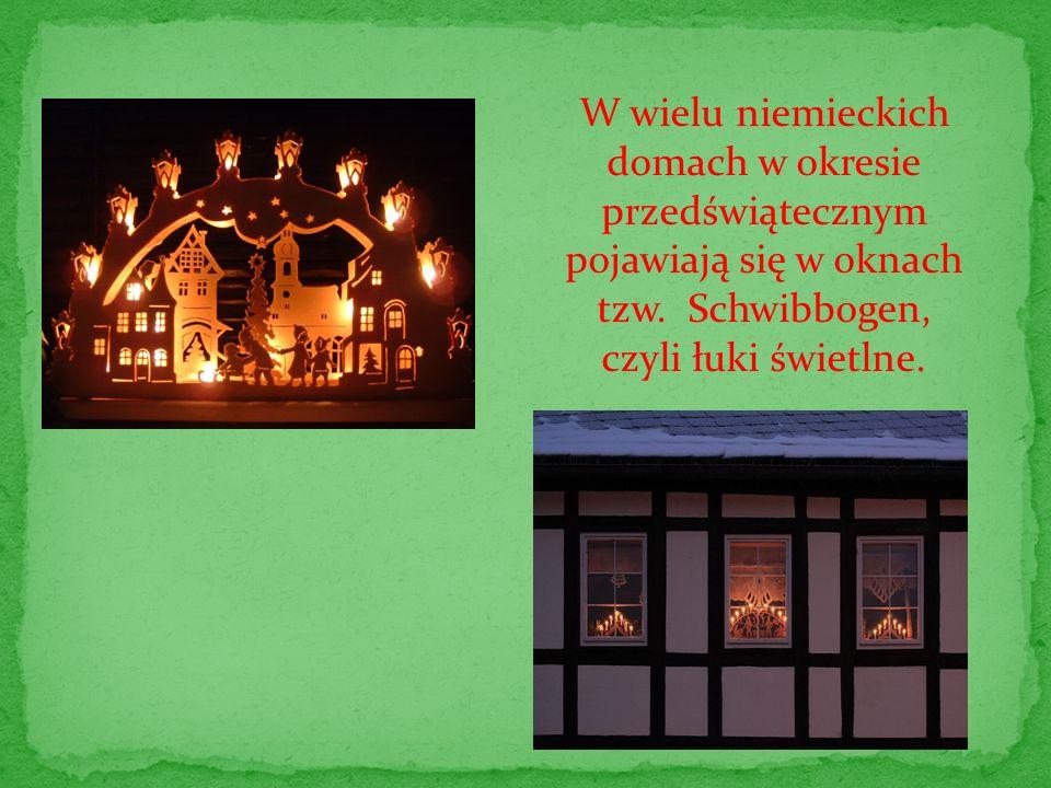 W wielu niemieckich domach w okresie przedświątecznym pojawiają się w oknach tzw. Schwibbogen, czyli łuki świetlne.