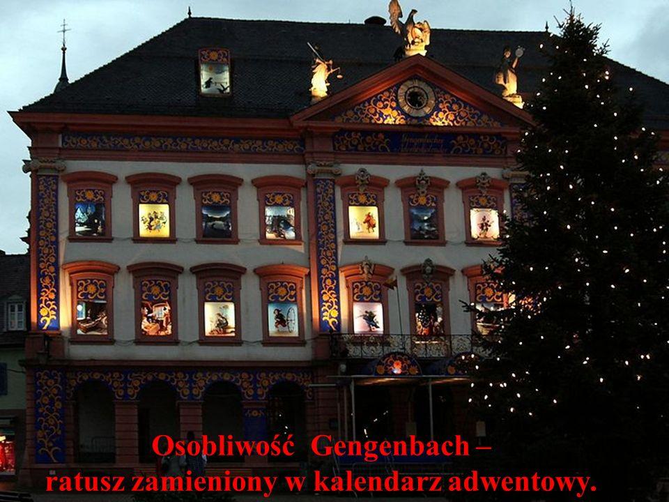 Wieczór wigilijny w tradycji polskiej jest najbardziej uroczystym i najbardziej wzruszającym wieczorem roku.