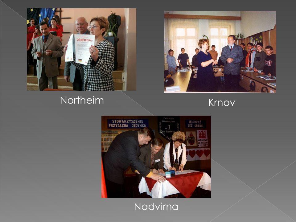 Samorząd Uczniowski bierze udział w pracach na rzecz szkoły i środowiska.