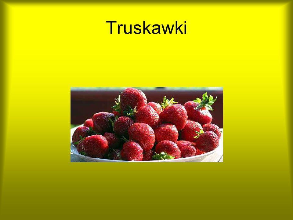 Koktajl truskawkowy Koktajl truskawkowy Składniki na 1 szklankę: - 10 dag truskawek (kilka do dekoracji), kubek jogurtu naturalnego light, 1 łyżeczka soku z cytryny, 1 łyżeczka miodu, kostki lodu.