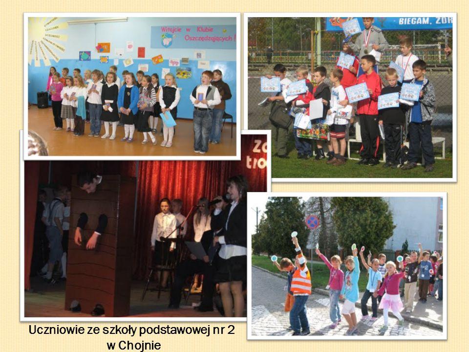 GIMNAZJUM SECONDARY EDUCATION - GYMNASIUM Uczniowie uczęszczający do gimnazjum to młodzież w wieku 13-16 lat.