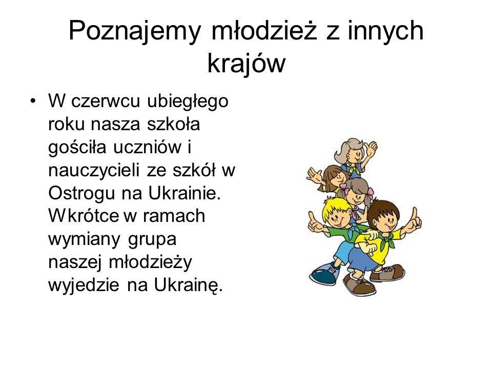 Wystawiamy przedstawienia w językach obcych W tym roku trwają właśnie próby do przedstawienia Snow White and the Seven Dwarfs ( Królewna Śnieżka i siedmiu krasnoludków ), które jest przedsięwzięciem dofinansowanym ze środków Gminy Gniew.