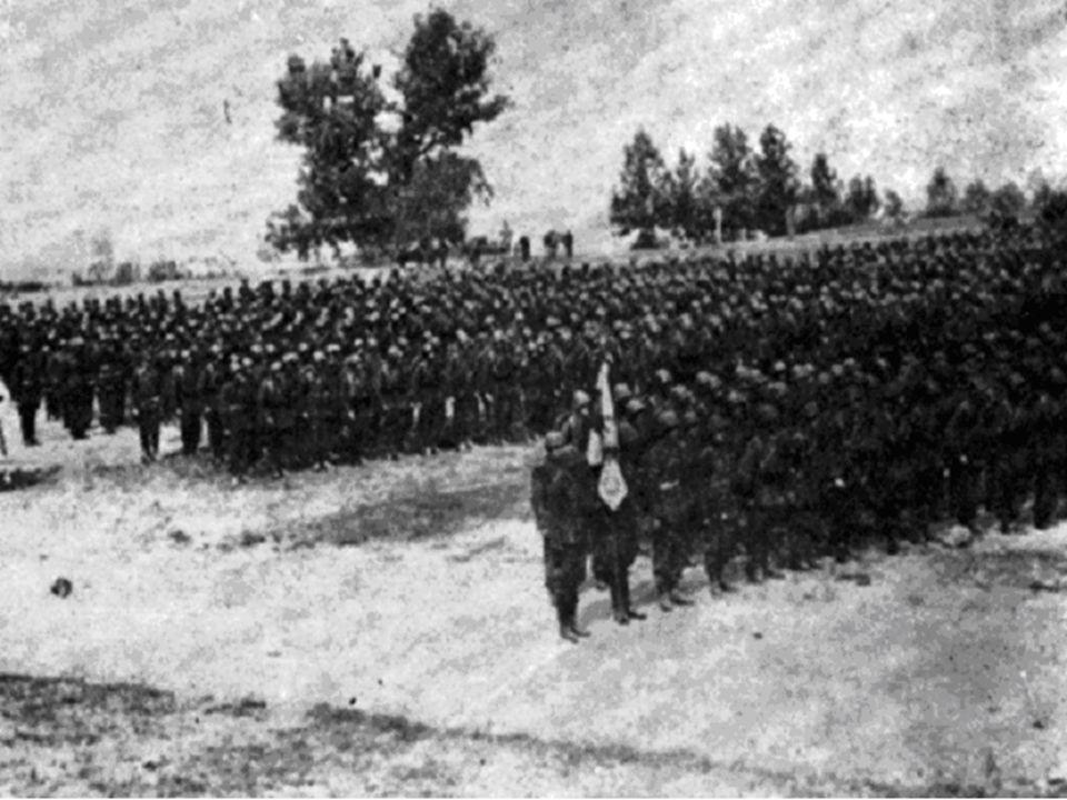 Precyzyjny ogień polskiej baterii zmusza nieprzyjaciela do okopania się.