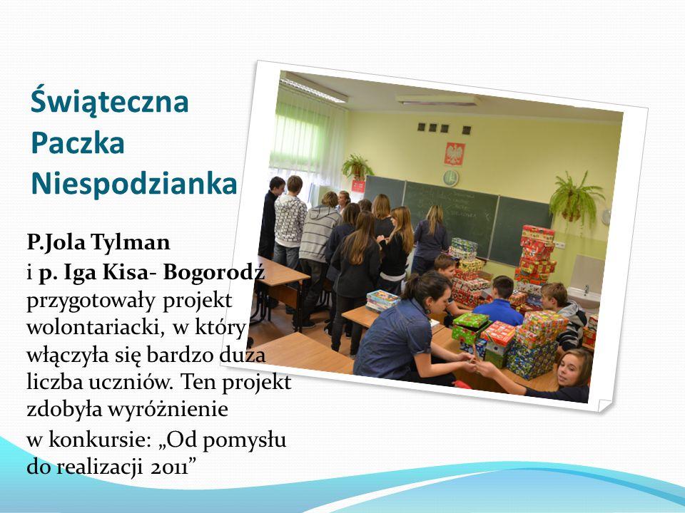 Świąteczna Paczka Niespodzianka P.Jola Tylman i p. Iga Kisa- Bogorodź przygotowały projekt wolontariacki, w który włączyła się bardzo duża liczba uczn