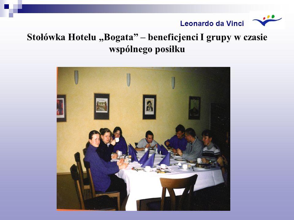 Stołówka Hotelu Bogata – beneficjenci I grupy w czasie wspólnego posiłku Leonardo da Vinci