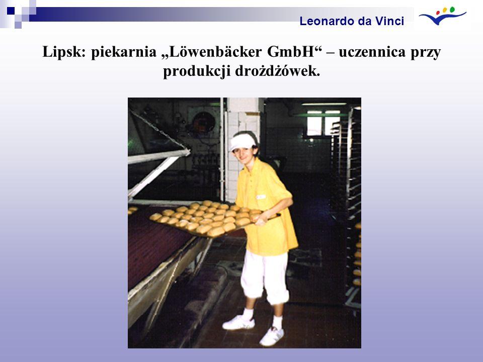 Lipsk: piekarnia Löwenbäcker GmbH – uczennica przy produkcji drożdżówek. Leonardo da Vinci