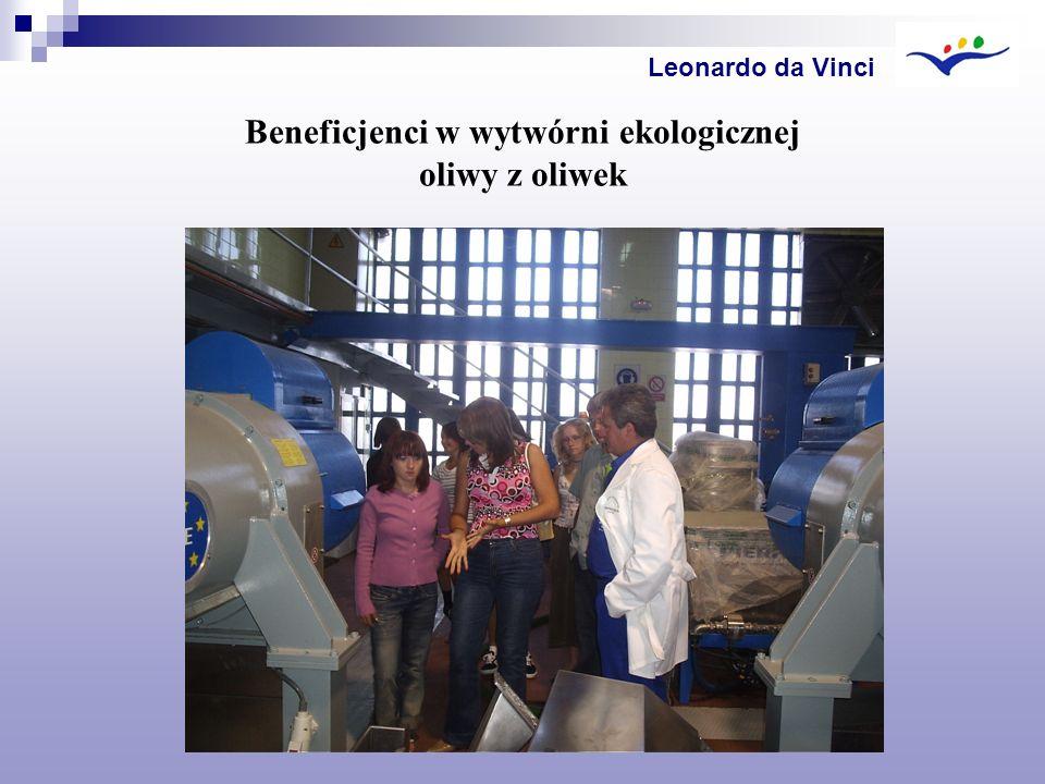 Beneficjenci w wytwórni ekologicznej oliwy z oliwek Leonardo da Vinci