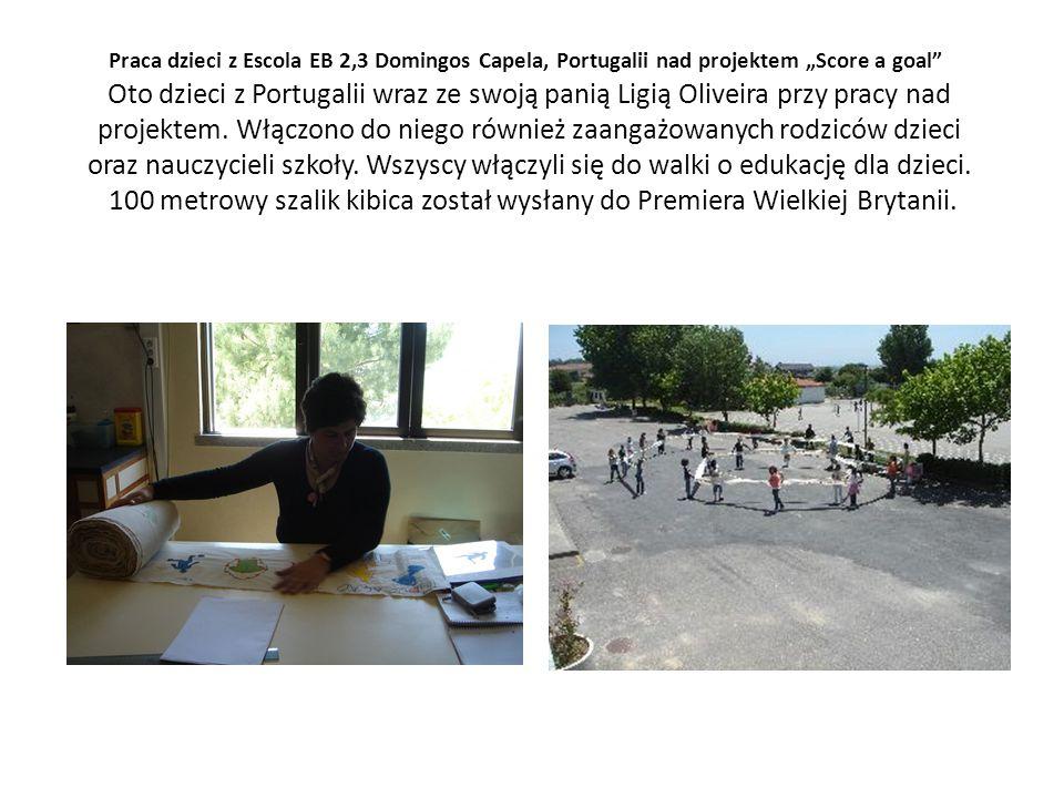 Praca dzieci z Escola EB 2,3 Domingos Capela, Portugalii nad projektem Score a goal Oto dzieci z Portugalii wraz ze swoją panią Ligią Oliveira przy pracy nad projektem.