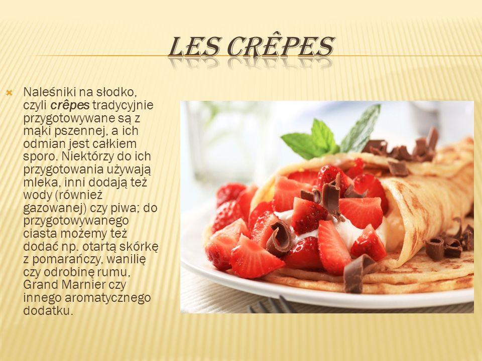 Naleśniki na słodko, czyli crêpes tradycyjnie przygotowywane są z mąki pszennej, a ich odmian jest całkiem sporo. Niektórzy do ich przygotowania używa