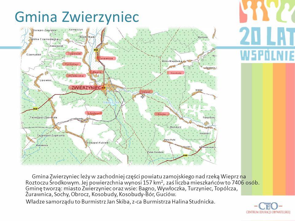 Gmina Zwierzyniec leży w zachodniej części powiatu zamojskiego nad rzeką Wieprz na Roztoczu Środkowym. Jej powierzchnia wynosi 157 km 2, zaś liczba mi