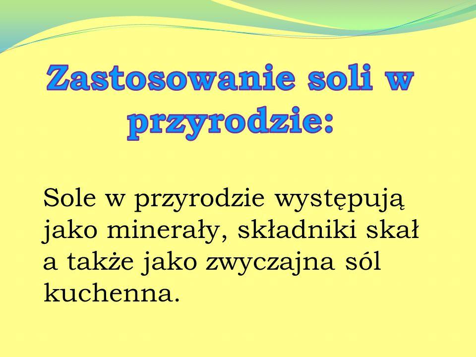 e. Superfosfat magnezowy pylisty – w jego skład wchodzi P 2 O 5 - 15% oraz MgO - 5%. f. Mączka fosforytowa - nadająca się na gleby o odczynie kwaśnym,