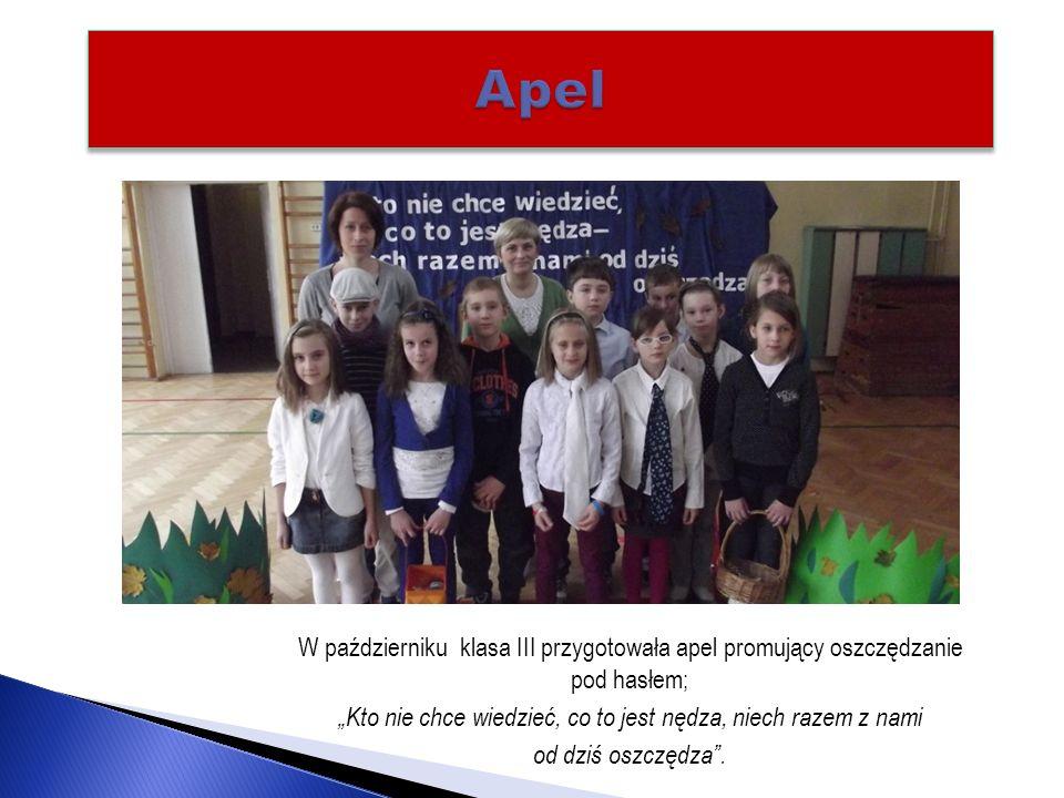 Przez cały rok szkolny w naszej szkole trwa akcja zbierania makulatury.