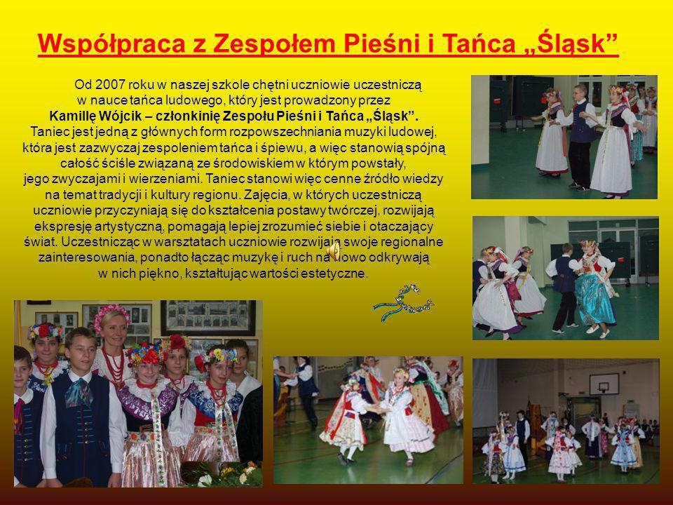 Od 2007 roku w naszej szkole chętni uczniowie uczestniczą w nauce tańca ludowego, który jest prowadzony przez Kamillę Wójcik – członkinię Zespołu Pieś
