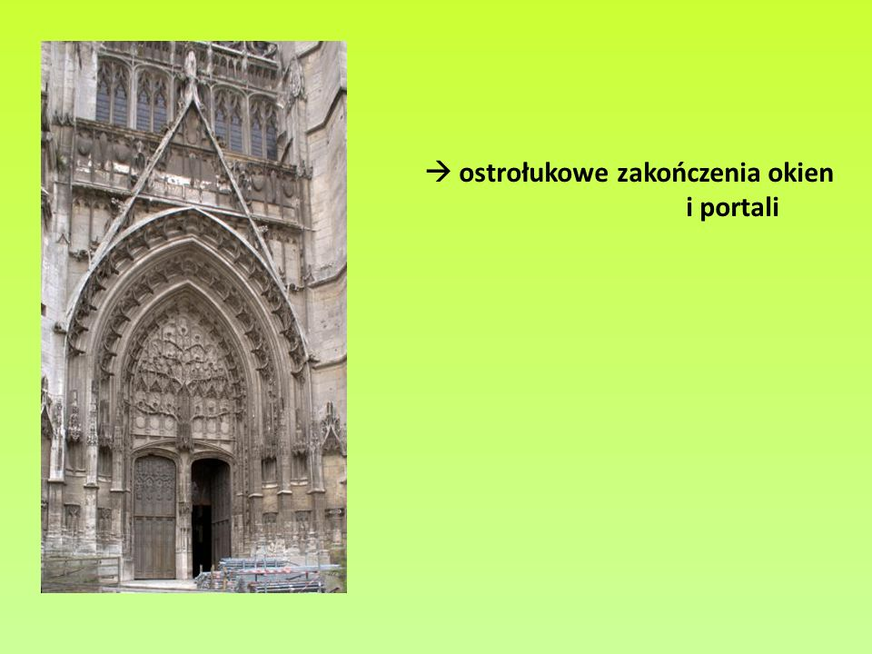 Ostrołuki smukłe w katedrze w Vendome (z lewej) i Fryburgu Bryzgowijskim (z prawej)