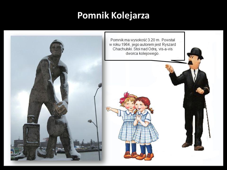 Pomnik Herkulesa walczącego z Centaurem Dzieło ufundowane przez konsula Kiskera z przedwojennego Szczecina, zaprojektował i wykonał Ludwig Manzel. Pom