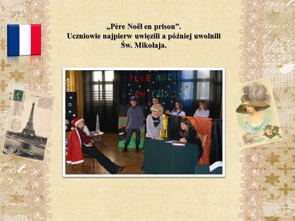 Père Noël en prison. Uczniowie najpierw uwięzili a później uwolnili Św. Mikołaja.