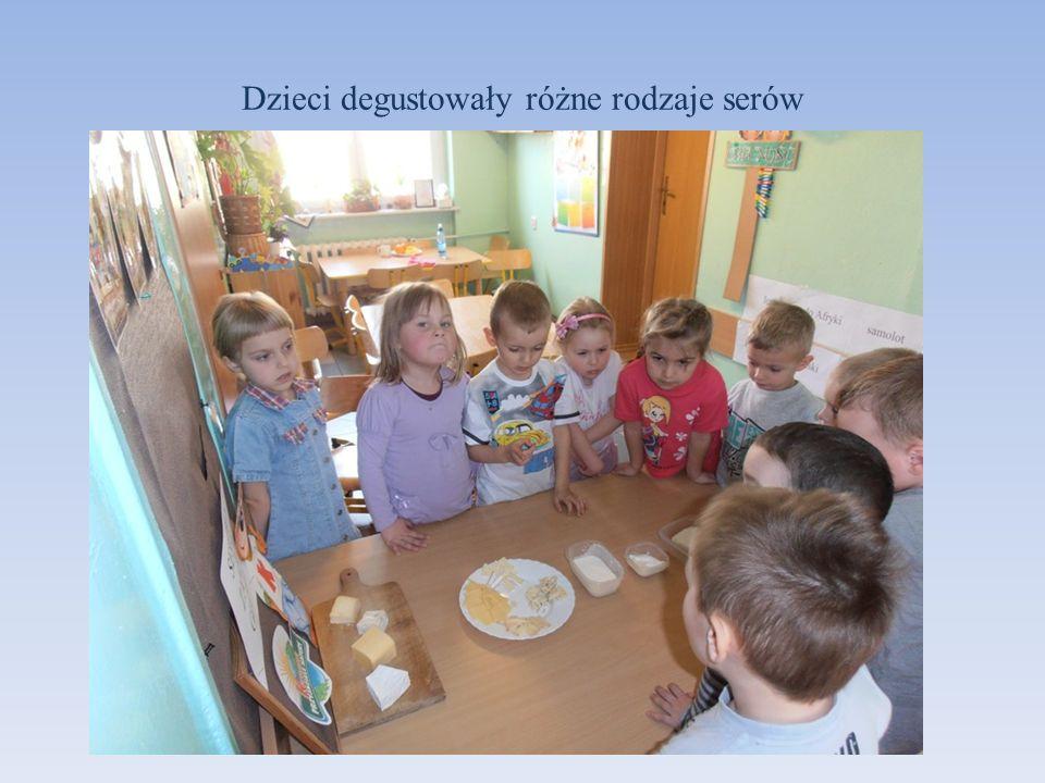 Dzieci degustowały różne rodzaje serów