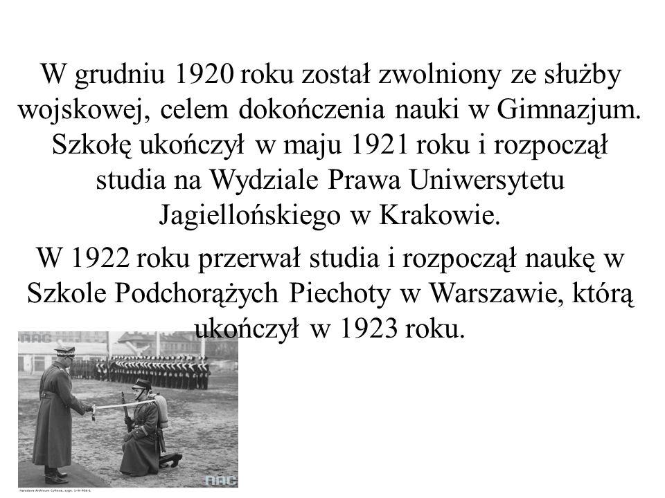W grudniu 1920 roku został zwolniony ze służby wojskowej, celem dokończenia nauki w Gimnazjum. Szkołę ukończył w maju 1921 roku i rozpoczął studia na