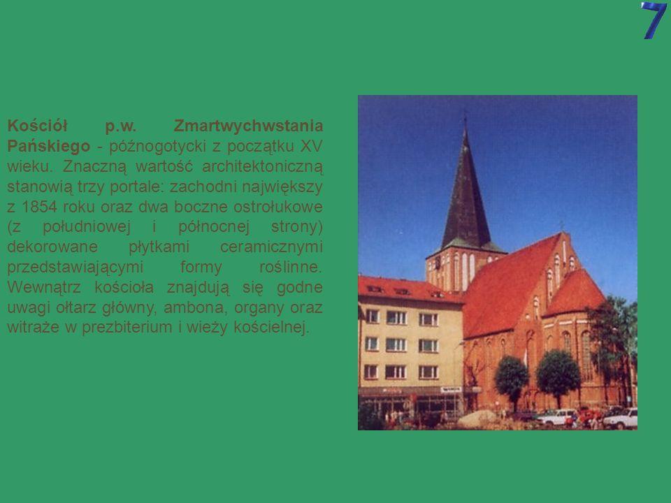 Dawne mury miejskie - wybudowane w połowie XIV wieku.