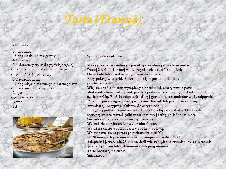 Ratatouille w sosie jogurtowym Składniki: - 2 małe cukinie - 4 marchewki - 1 por - po 1 papryce czerwonej i zielonej - 20 dag pieczarek - 1 szklanka j