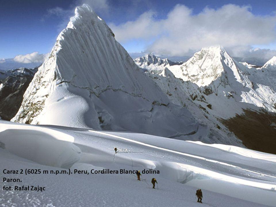Piramide di Garscilaso (5885 m n.p.m.). Peru, Cordillera BLanca, dolina Paron fot. Rafał Zając