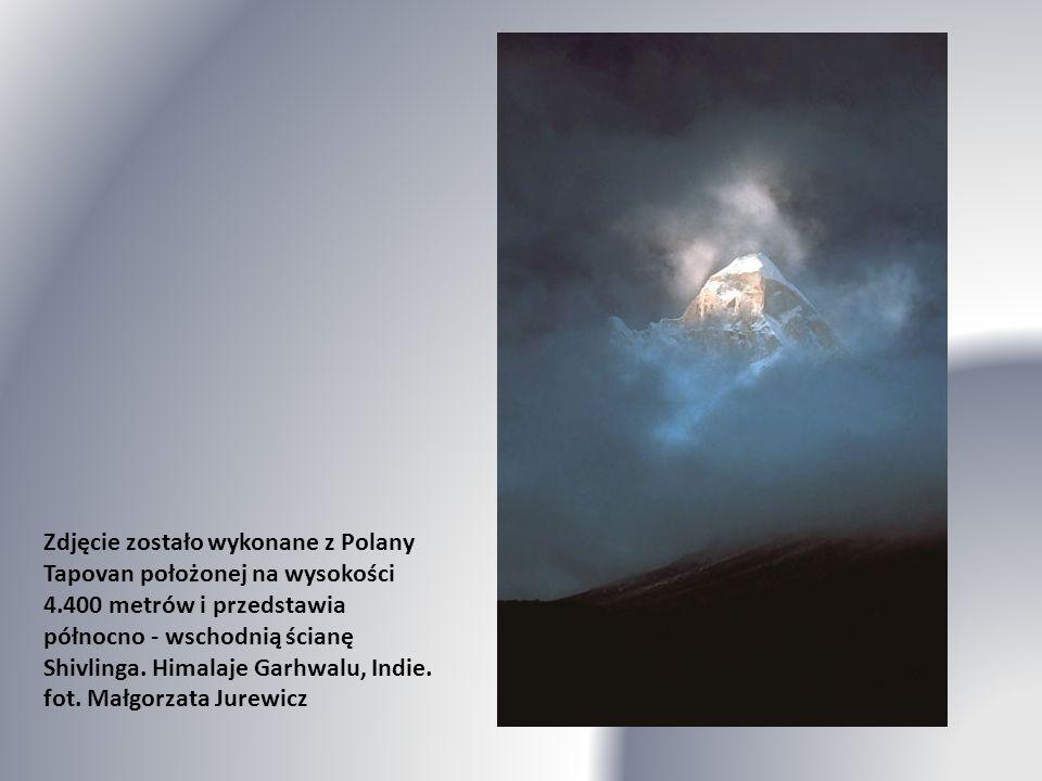 Dhaulagiri (8167 m n.p.m.) o wschodzie słońca. fot. Michal Przyborowski