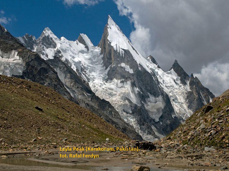 Alpamayo - góra, która przez 20 lat nosi miano najpiękniejszej na świecie. fot. Mirosław Oleksy