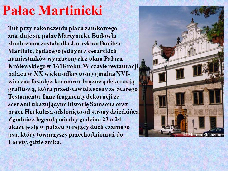 Pałac Martinicki Tuż przy zakończeniu placu zamkowego znajduje się pałac Martynicki. Budowla zbudowana została dla Jarosława Borite z Martinic, będące