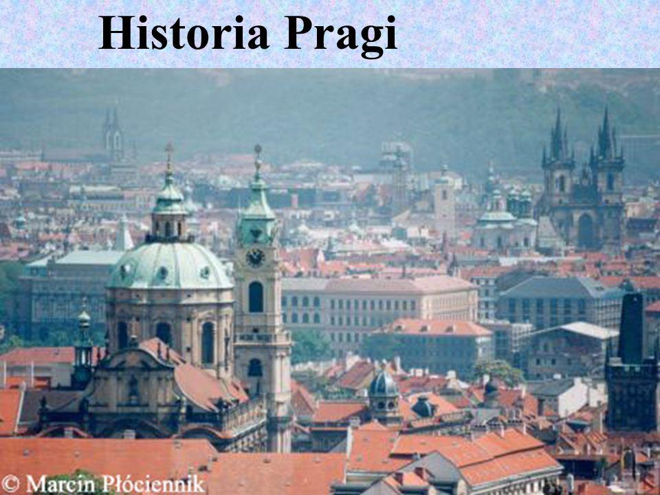 Kościół Marii Panny przed Tynem Jednym z charakterystycznych elementów panoramy Pragi, dokładniej mówiąc Starego Miasta są najeżone iglicami wieże gotyckiego kościoła Marii Panny przed Tynem.
