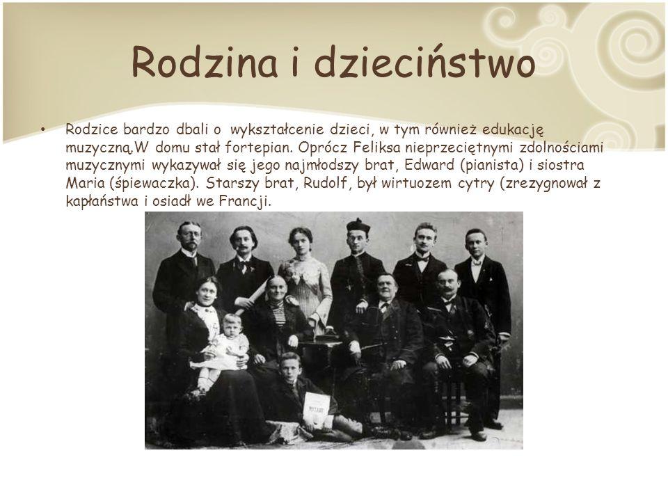 Rodzina i dzieciństwo Rodzice bardzo dbali o wykształcenie dzieci, w tym również edukację muzyczną.W domu stał fortepian.