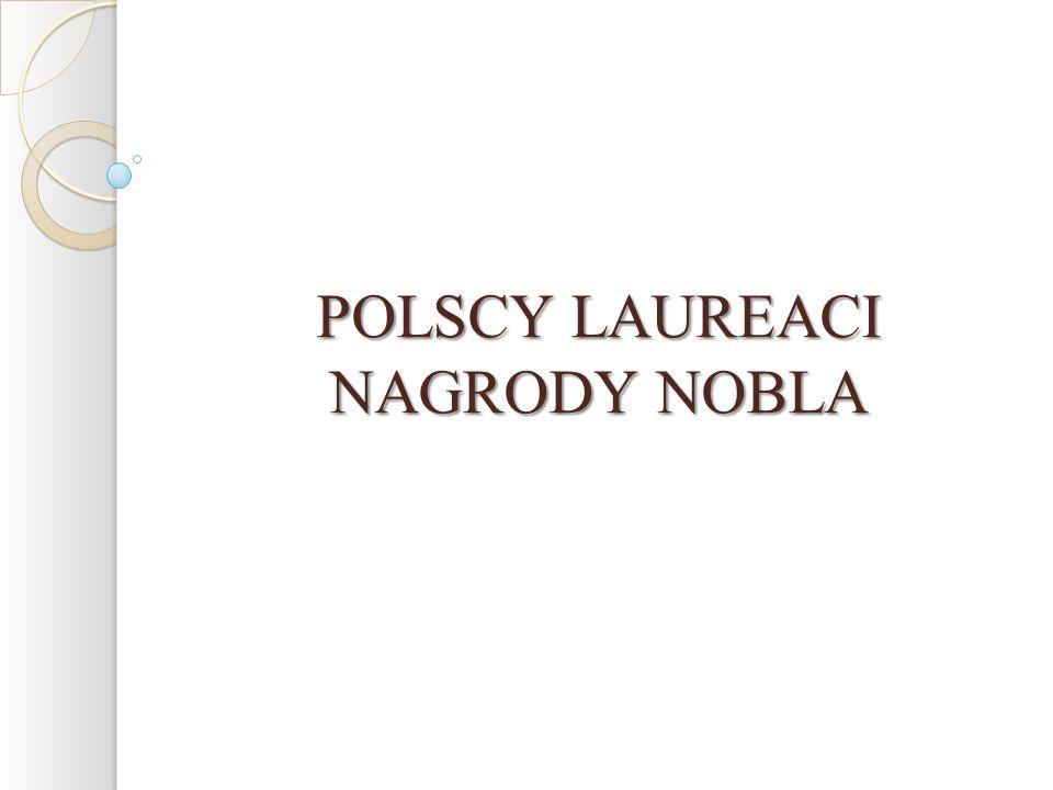 Wisława Szymborska otrzymała w 1996 roku LITERACKĄ NAGRODĘ NOBLA za poezję, która z ironiczna precyzją pozwala historycznemu i biologicznemu kontekstowi ukazać się we fragmentach ludzkiej rzeczywistości .