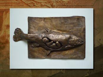 Urszula Szymańska Urodziła się w Poznaniu w 1979 roku. Po ukończeniu liceum plastycznego studiowała rzeźbę na poznańskiej Akademii Sztuk Pięknych w pr