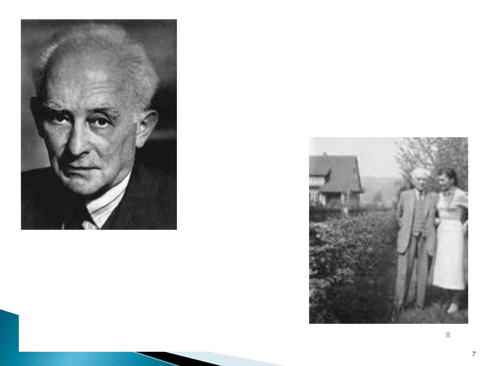 Strumień elektryczny przechodzący przez dowolną przestrzeń zamkniętą jest proporcjonalny do ładunku znajdującego się wewnątrz tej powierzchni Całkowa postać prawa Gaussa dla pola elektrycznego pozwala obliczać pola elektryczne wokół naładowanych obiektów Prawo Gaussa dla ładunku punktowego jest tożsame z prawem Coulomba Całka powierzchniowa z pola elektrycznego pozwala obliczyć wielkość ładunku ograniczonego tą powierzchnią, dywergencja pozwala obliczyć gęstość ładunku Postać całkowa:Postać różniczkowa: 18