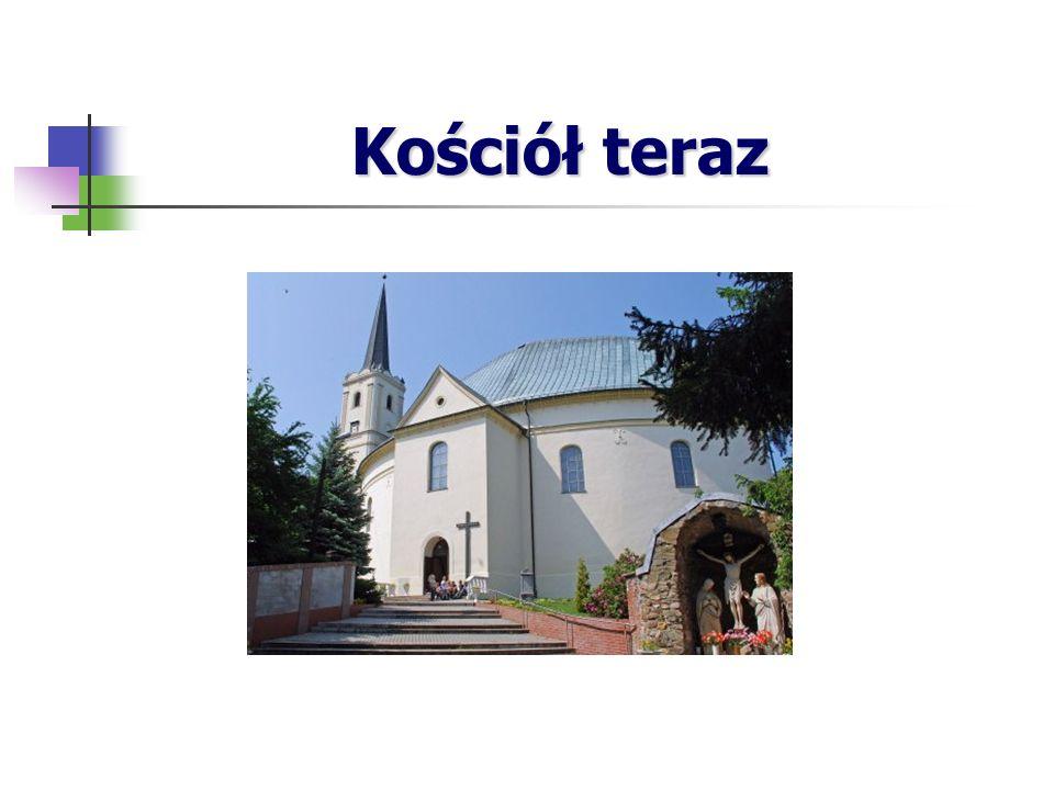 Grota – Święte Źródło W lesie na północny wschód od kościoła parafialnego znajduje się zespół kapliczek wybudowanych wokół niewielkiego źródła.
