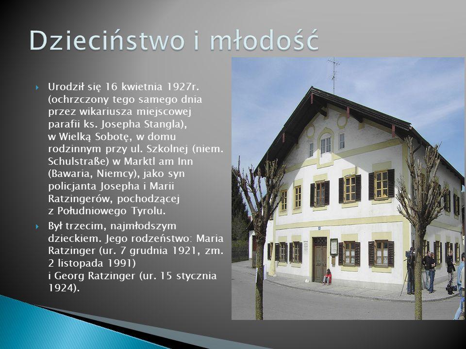 Urodził się 16 kwietnia 1927r. (ochrzczony tego samego dnia przez wikariusza miejscowej parafii ks. Josepha Stangla), w Wielką Sobotę, w domu rodzinny